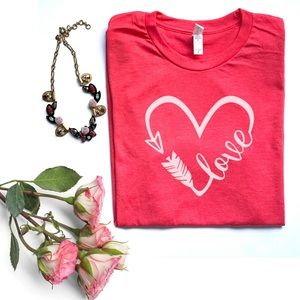Tops - Love heart arrow red graphic tee t-shirt top New!